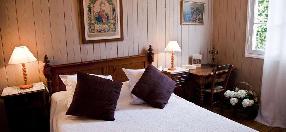 H tel des pins cap ferret chambres studios roulotte au cap ferret - Hotel cap ferret starck ...